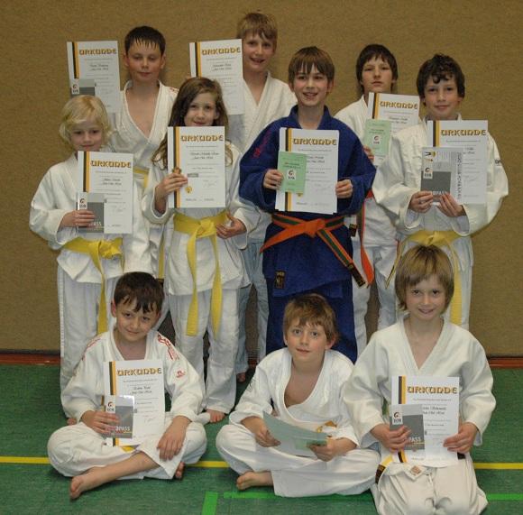 2012-03 Judo-Pruefung12-03-16_klein